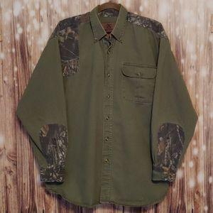 Men's hunting button down XL shirt camo details